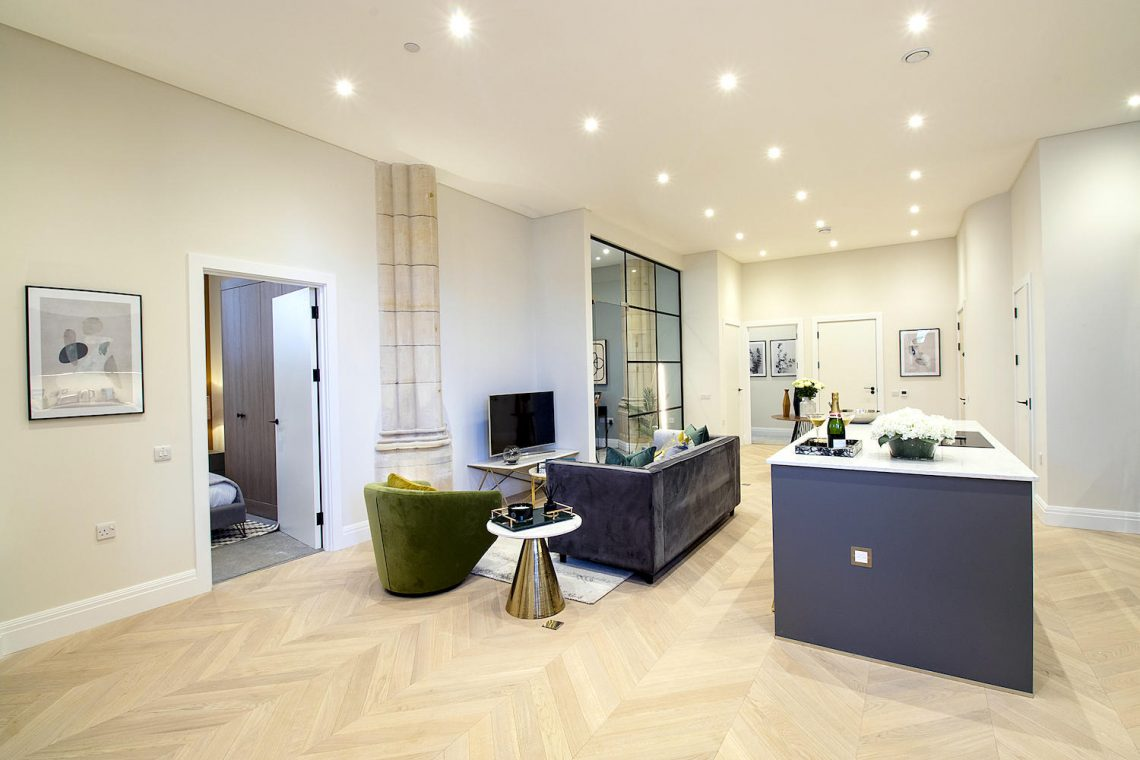 Two bedroom apartment in Finchley 01