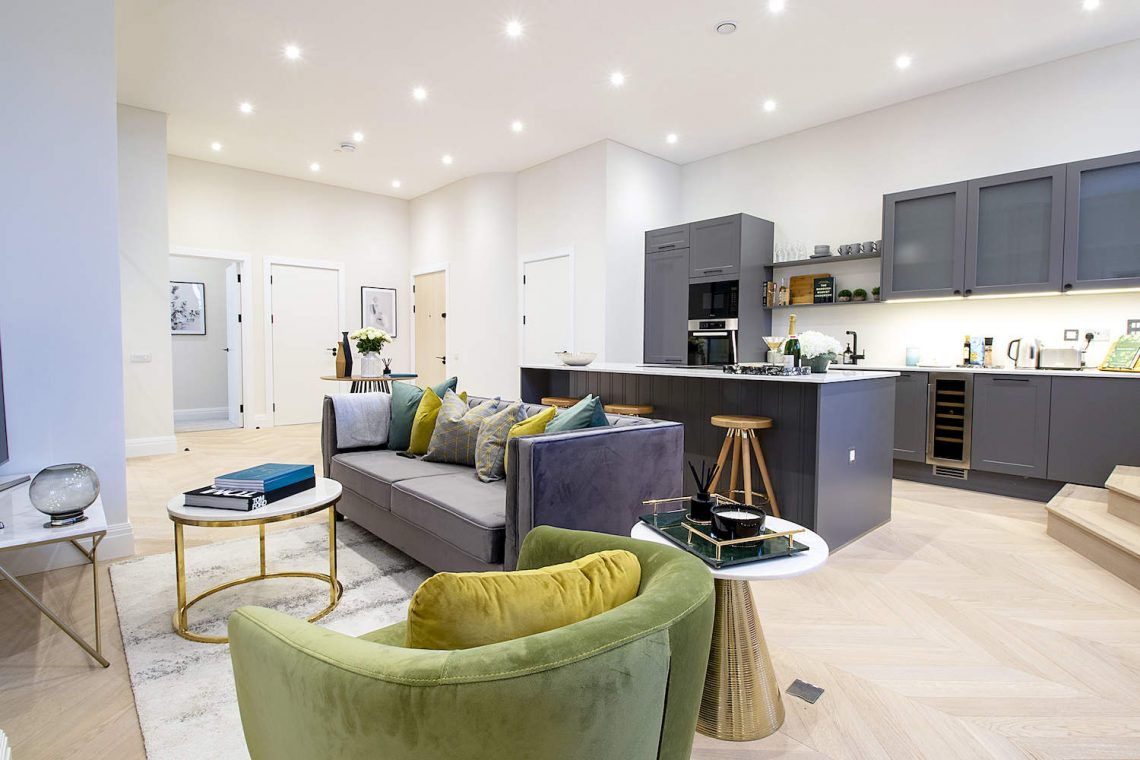 Flat for sale in North London 06