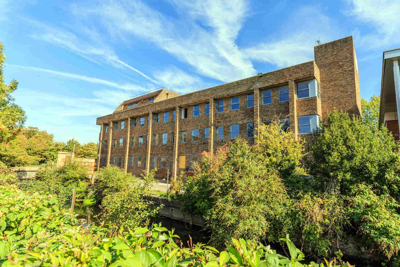 2 bedrooms apartment in Uxbridge for sale