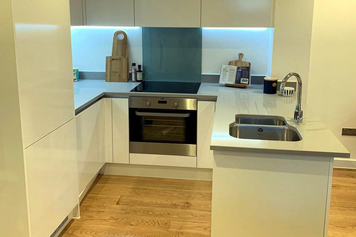 apartment in Uxbridge for sale 19