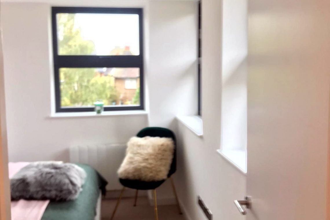 apartment in Uxbridge for sale 21